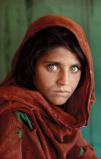 Steve McCurry - Afghan Girl (1984)